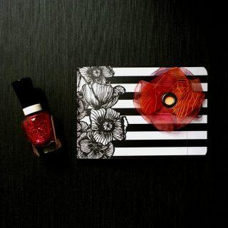 poppy_mm_piros_lazac_3D_karlalina_notesz_1